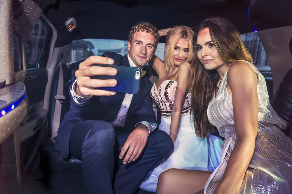 What to do when booking a limo for prom?